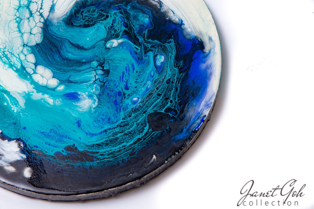 Picture of 12-inch Round - Blue Wave - Acrylic Pour Painting