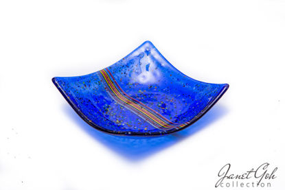 Picture of 7-inch Square Fused Glass Candy Tray - Blue w/stringers