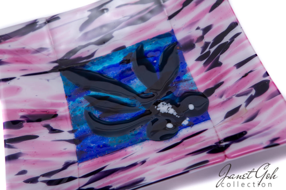 Picture of 11-inch Square Fused Glass Plate - Goldfish
